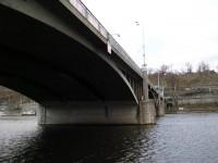 Štefánikův most - boční pohled z náplavky