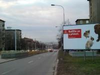Poděbradská - nová reklama odpoutává pozornost řidiče