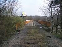 Násep železniční vlečky a most přes Poděbradskou
