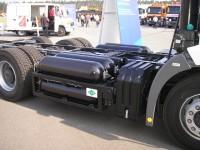 Mercedes Benz Econic 1828 GLL - umístění nádrží na palivo
