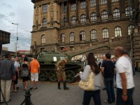 21.8.2008 - tank před Národním muzeem v Praze