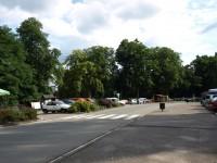 Ratibořice - přechod pro chodce mezi parkovišti