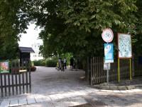 Ratibořice - vstup do zámeckého areálu