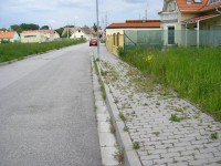 Zeleň a chodníky