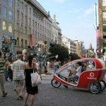 Centrum Prahy se změnilo na výstavní plochu.