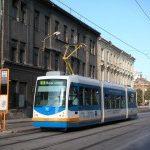 Nízkopodlažní tramvaj TRIO jezdí v Olomouci.
