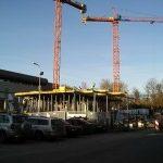 Multifunkční centrum roste v těsné blízkosti zimního stadionu.