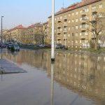 Havárie vody v Praze 9 v ulici Sokolovské před poliklinikou