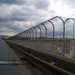 Zábradlí na Nuselském mostu v Praze se dočká změny.