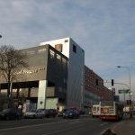 Stavba Galerie Fénix a nového hotelu v Praze 9