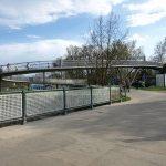 Lávku pro pěší a cyklisty přes plavební kanál využívají turisté i obyvatelé Poděbrad