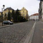 Výhodné parkování na Senovážném náměstí v centru Českých Budějovic