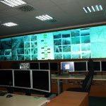 Operátoři v  Dopravně Informačním Centru v Ostravě komunikují s řidiči na dálnici D1