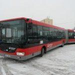 Nový nízkopodlažní kloubový autobus jezdí v barvách Veolia Transport