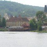Povodňová situace si vyžádala vyhlášení stavu nebezpečí v několika krajích a velkou vodu čeká i Praha