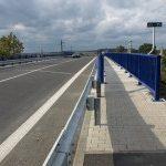 Nový most ve Studénce má jen jeden úzký chodník