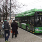 Nový hybridní autobus ze Škody Electric jezdí v ulicích Plzně
