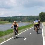Nová cyklostezka z Klecan do Prahy nabízí klidnou jízdu