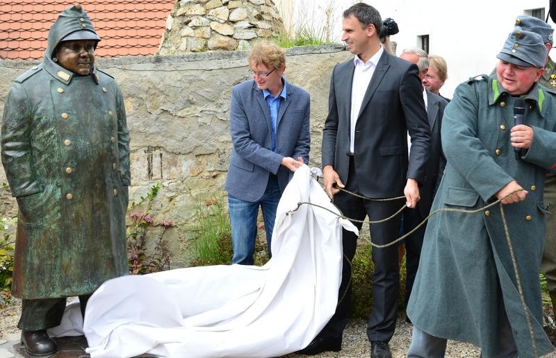 Odhalení sochy Josefa Švejka