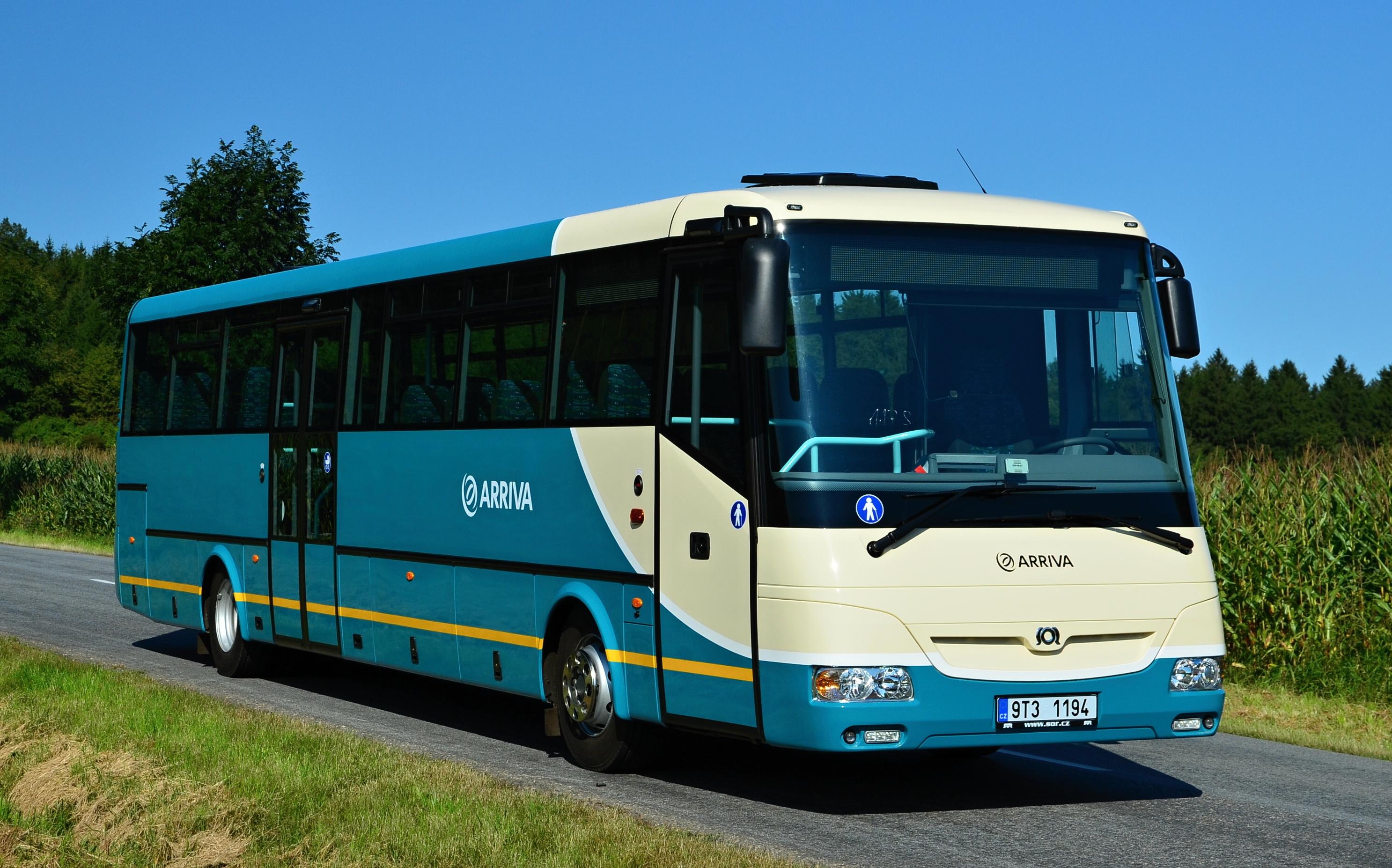 Autobus_dopravce_Arriva_Morava_v_novém_barevném_provedení