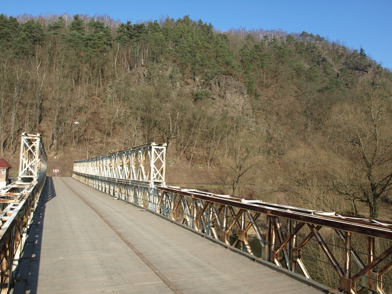 Baileyho most Kácov