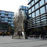 Pohyblivá hlava oživuje veřejný prostor