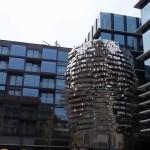 Pohyblivá socha Franze Kafky od Davida Černého v Praze – 01