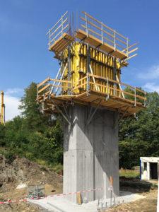 stavba podpěr mostu s nosníkovým bedněním TOP 50