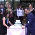 Slavnostní otevření nového výrobního závodu v Plané nad Lužnicí – Slavnostní přestřižení pásky