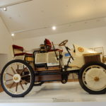 Muzeu Ferdinanda Porscheho dominuje vůz Lohner – Porsche Semper Vivus