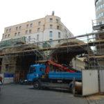 Stavba Negrelliho viaduktu vPraze 8 si vyžaduje další omezení dopravy