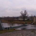 Za zřícení lávky pro pěší přes Vltavu v Praze Troji jsou obžalováni dva lidé.