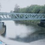 VLužci nad Vltavou byla usazena unikátní konstrukce zdvižného železničního mostu