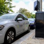VPraze se výrazně zvýší počet stožárů veřejného osvětlení, které umožní nabíjení elektromobilů
