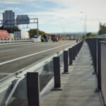 Dnes byla uvedena do provozu západní část mostu přes Chlumeckou ulici v Praze 14