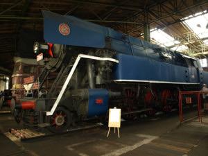 Tendrová lokomotiva 477.0 známá také jako Papoušek - foto z depozitáře v Chomutově